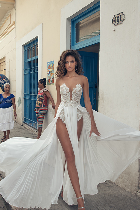 1501 Wedding dress by Julie Vino Haute Couture