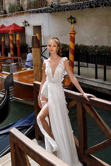 1405 Wedding                                          dress by Julie Vino