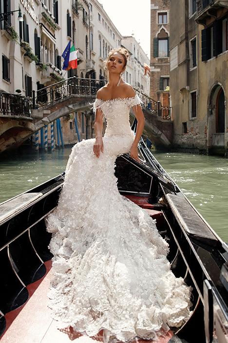 1407 Wedding dress by Julie Vino Haute Couture