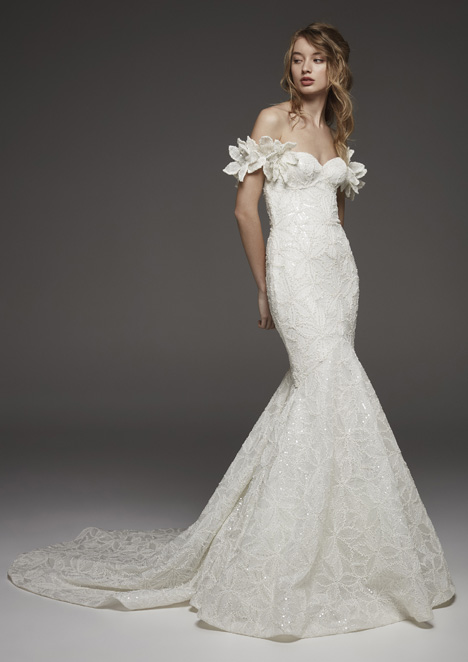 Hechizo gown from the 2019 Pronovias Atelier collection, as seen on dressfinder.ca