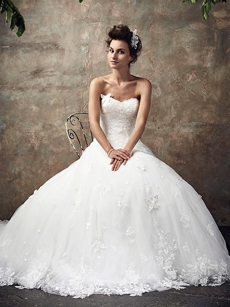 Le Jardin (2) Wedding                                          dress by Ian Stuart
