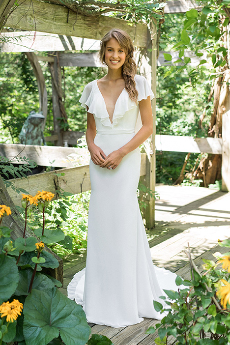 66002 Wedding dress by Lillian West