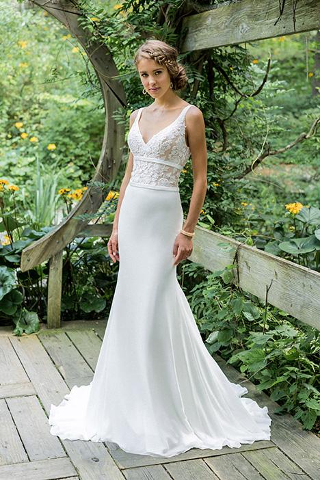 66007 Wedding                                          dress by Lillian West