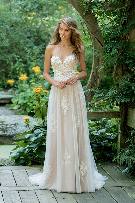 66008 Wedding                                          dress by Lillian West