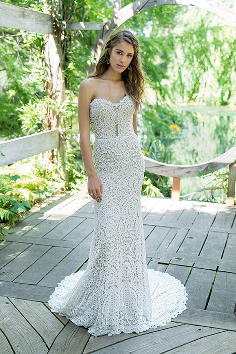 66011 Wedding                                          dress by Lillian West