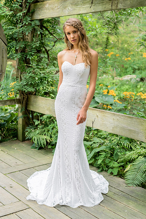 66018 Wedding                                          dress by Lillian West