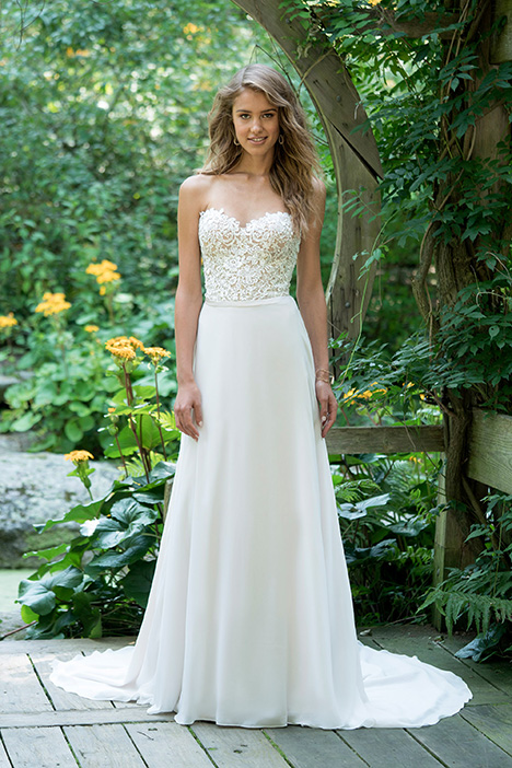 66019 Wedding                                          dress by Lillian West