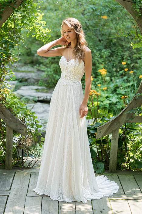 66021 Wedding                                          dress by Lillian West