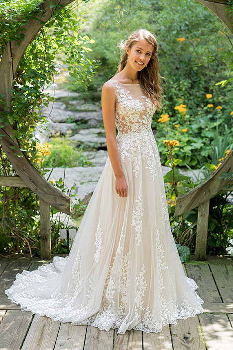 66024 Wedding                                          dress by Lillian West