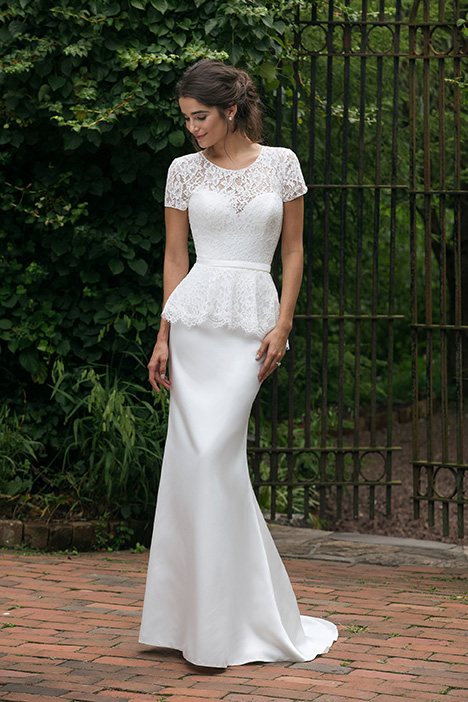 44040 (2) Wedding                                          dress by Sincerity