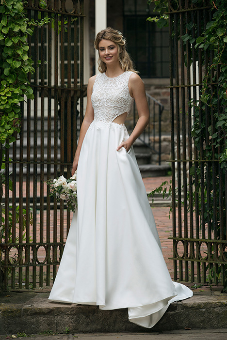 44044 Wedding                                          dress by Sincerity