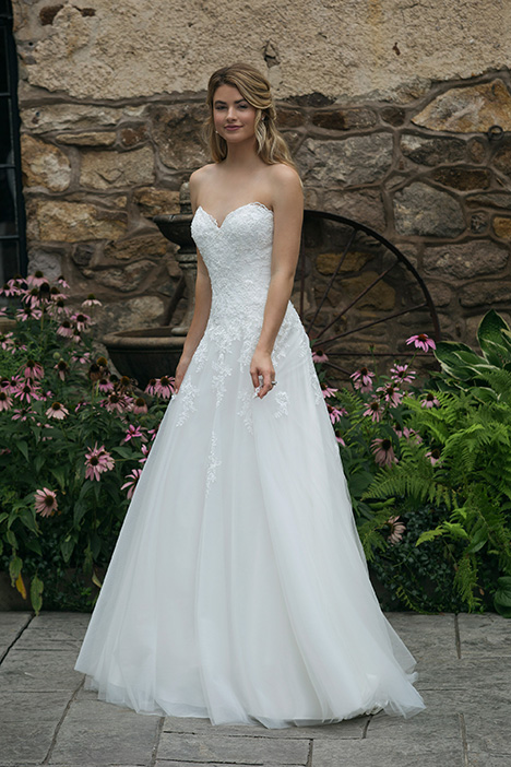 44050 (1) Wedding                                          dress by Sincerity