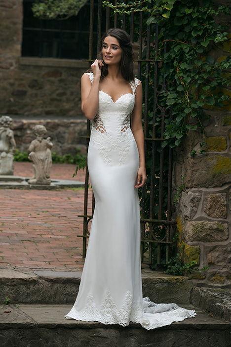 44051 Wedding                                          dress by Sincerity