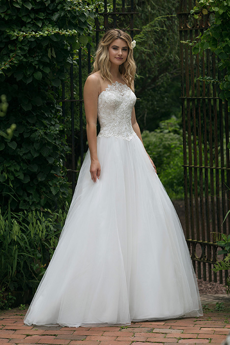 44052 Wedding                                          dress by Sincerity