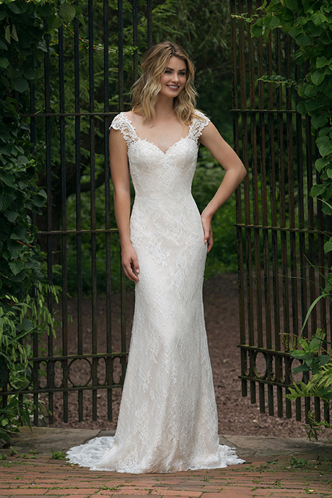 44053 Wedding                                          dress by Sincerity