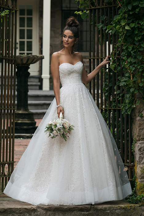 44055 Wedding                                          dress by Sincerity