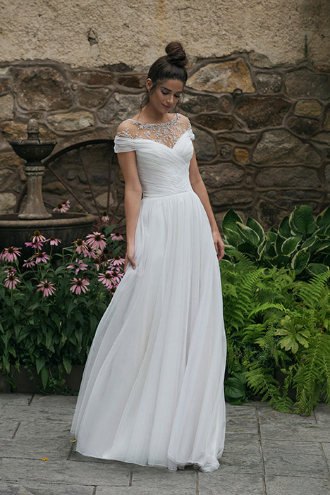 44068 Wedding                                          dress by Sincerity