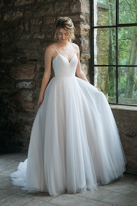 44069 Wedding                                          dress by Sincerity