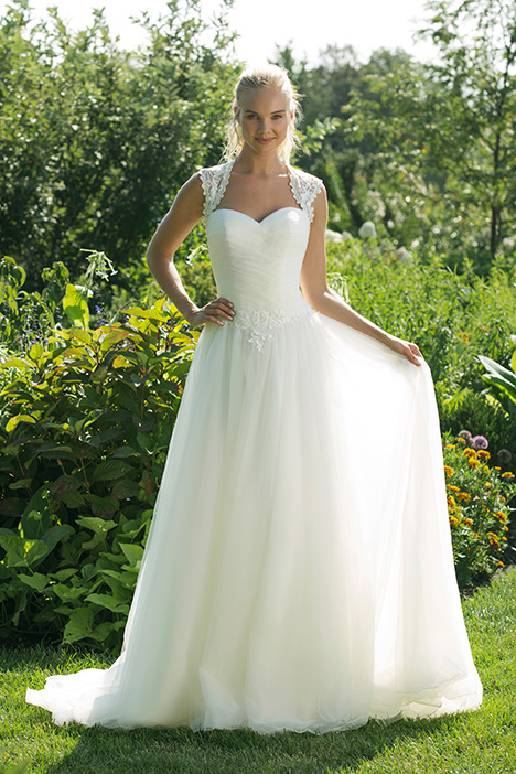 11012 Wedding                                          dress by Sweetheart