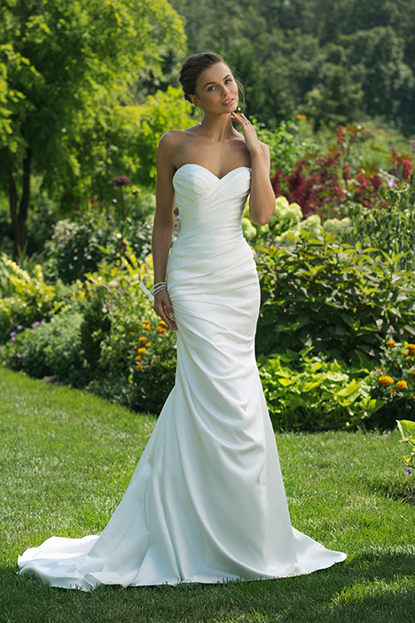 11016 Wedding                                          dress by Sweetheart
