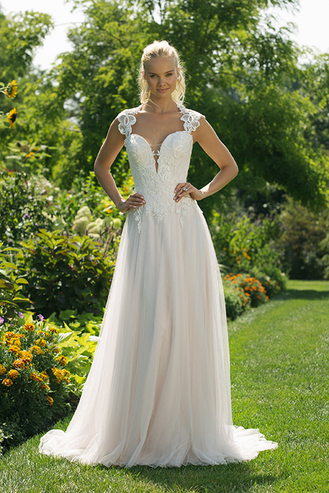 11020 Wedding                                          dress by Sweetheart