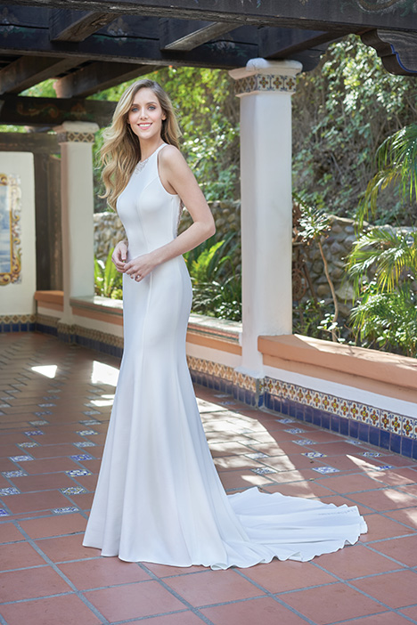 F201052 Wedding                                          dress by Jasmine Collection