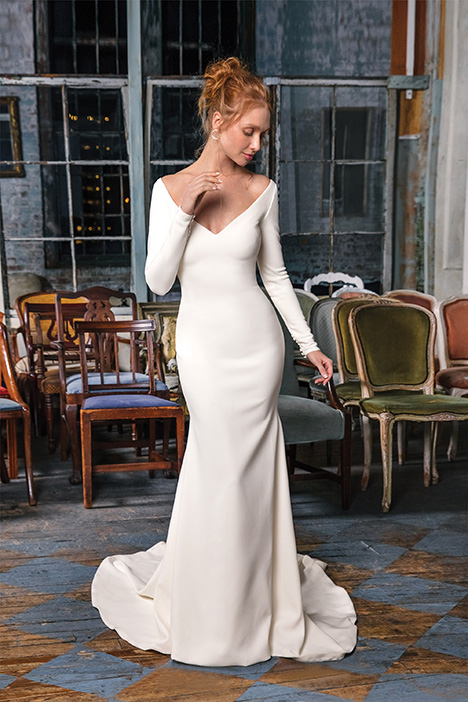 99002 Wedding                                          dress by Justin Alexander Signature