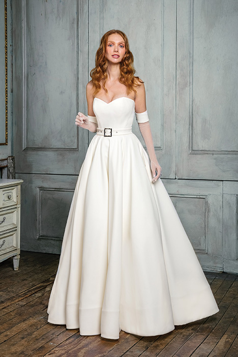 99003 Wedding                                          dress by Justin Alexander Signature