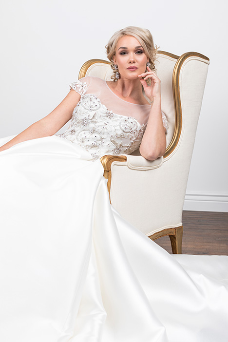Oksana (4072) Wedding                                          dress by Barbara Kavchok
