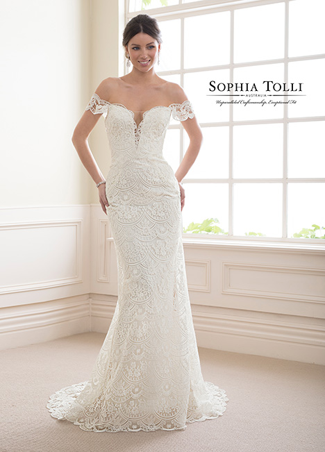 Y21813 Wedding                                          dress by Sophia Tolli