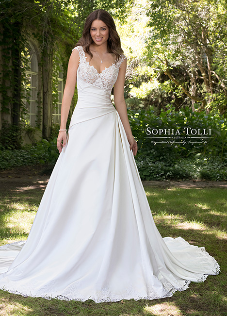 Y21814 Wedding                                          dress by Sophia Tolli