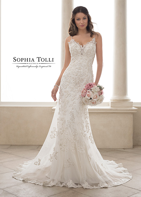 Y21817 Wedding                                          dress by Sophia Tolli