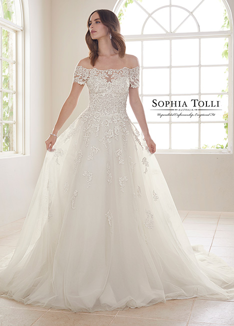 Y21818 Wedding                                          dress by Sophia Tolli