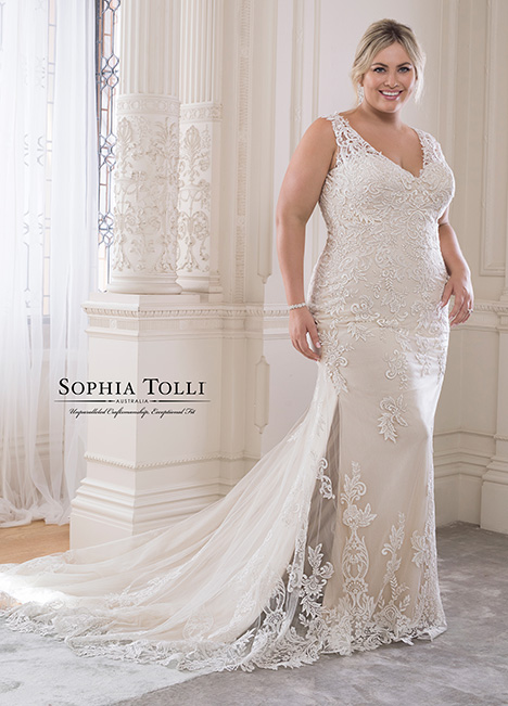 Y21819 (+) Wedding                                          dress by Sophia Tolli