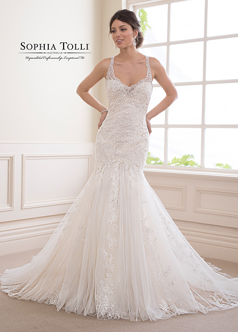 Y21822 Wedding                                          dress by Sophia Tolli