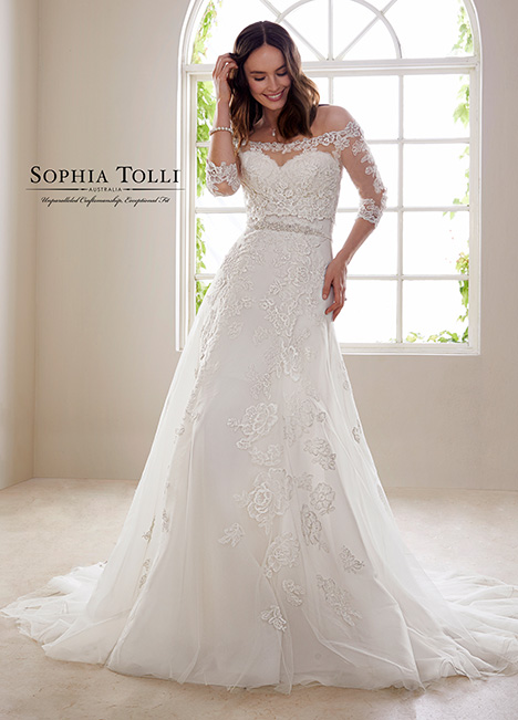 Y21827 (+ Jacket) Wedding                                          dress by Sophia Tolli