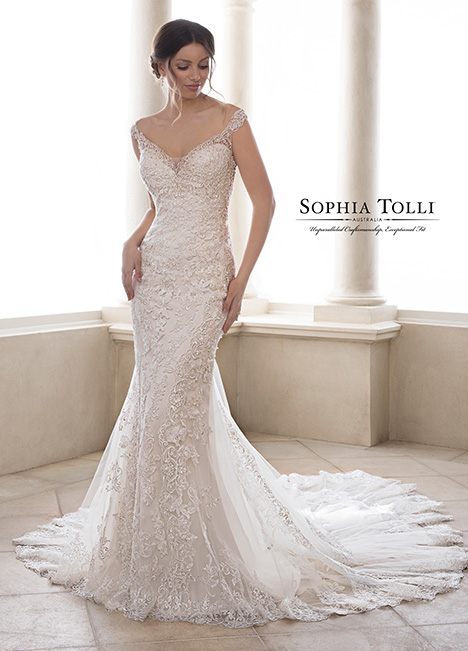Y21828 Wedding                                          dress by Sophia Tolli