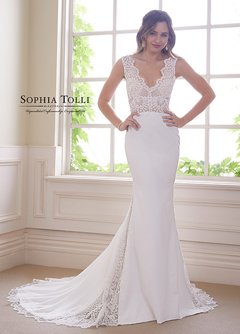 Y21829 Wedding                                          dress by Sophia Tolli
