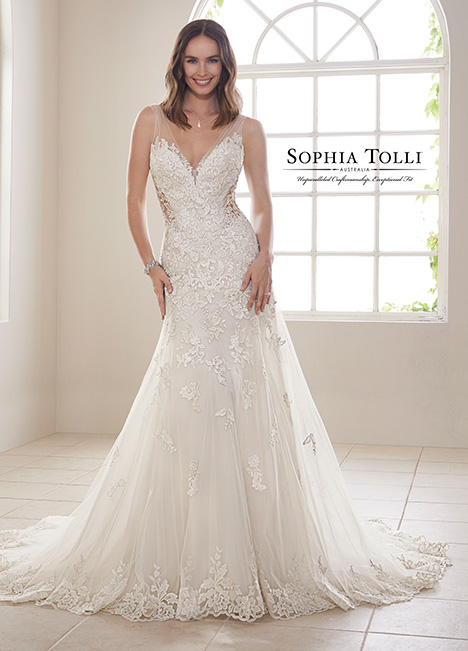Y21830 Wedding                                          dress by Sophia Tolli
