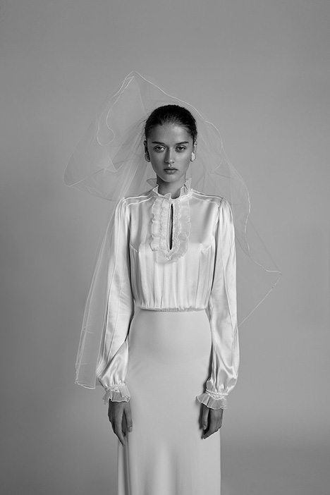Linda Wedding                                          dress by Alon Livne : White