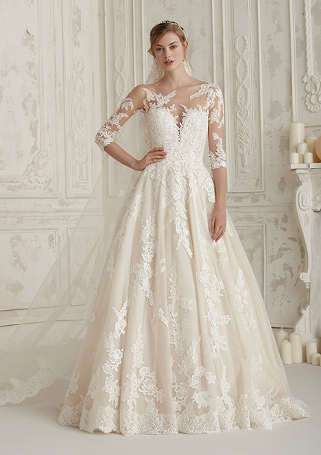 ELCHE Wedding                                          dress by Pronovias