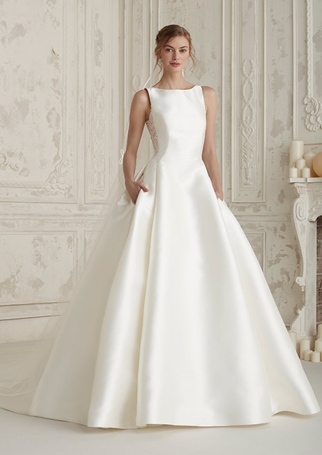ELENCO Wedding                                          dress by Pronovias