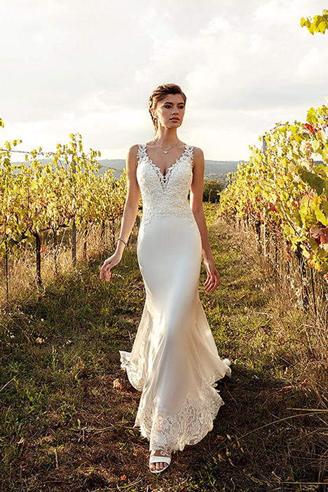 EK1198 Wedding dress by Eddy K