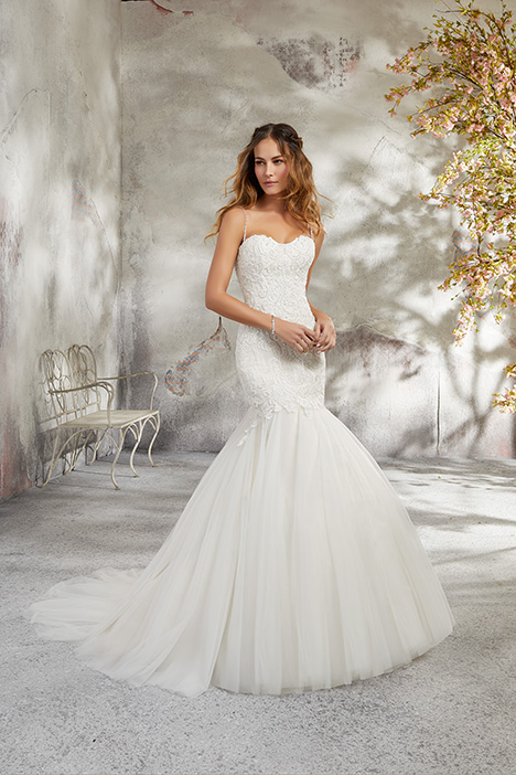 5682 Wedding                                          dress by Mori Lee: Blu