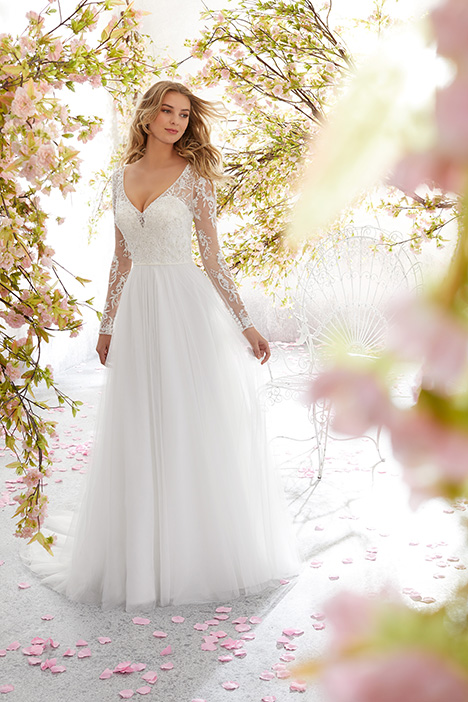 6892 Wedding                                          dress by Mori Lee: Voyage