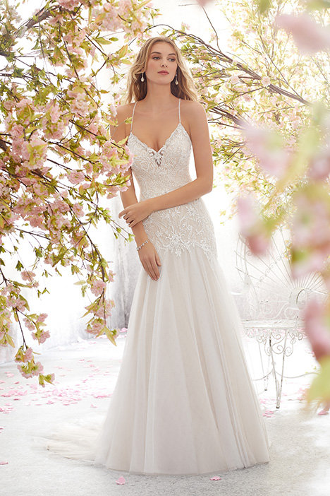 Style 6895 gown from the 2018 Morilee Voyagé collection, as seen on dressfinder.ca