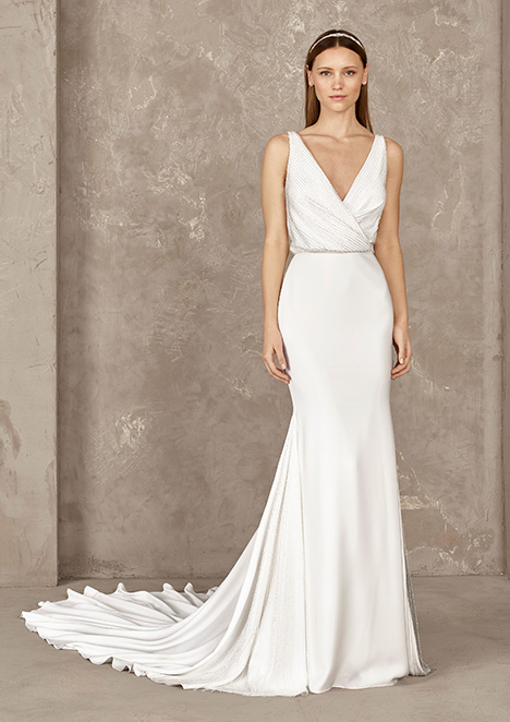 YANEIDA Wedding                                          dress by Pronovias Privée
