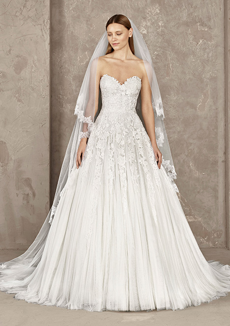 YERLY Wedding                                          dress by Pronovias Privée
