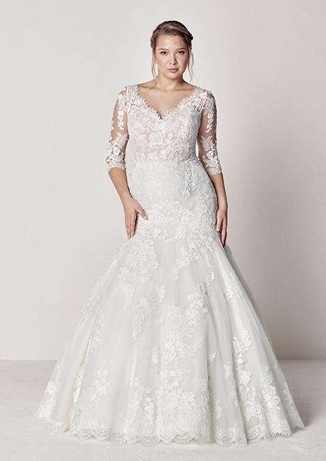 EVELYN Wedding                                          dress by Pronovias Plus