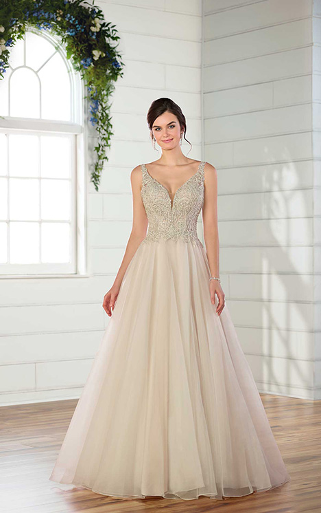 D2471 Wedding                                          dress by Essense of Australia